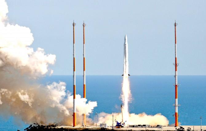 2013년 1월 30일 오후 4시 정각, 나로호가 발사되는 모습. - 한국항공우주연구원 제공